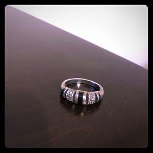Beautiful Silver & Onyx Ring